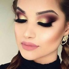 30 totally different eye make-up Let's face it! A very powerful a part of our eyes after we name make-up. Hazel Eye Makeup, Eye Makeup Tips, Makeup For Brown Eyes, Eyeshadow Makeup, Makeup Ideas, Eyeshadows, Makeup Tutorials, Makeup Brushes, Makeup Inspo