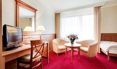 Hotel 3* Konradówka Wellnes & SPA: hotel z bogatym zapleczem relaksacyjno-rekreacyjnym. Urocza lokalizacja: nad rzeką Łomnicą w Karpaczu.