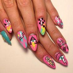 nail art designs braid fashion makeup 17 Nail Art Salons You Have To Visit Before You Die 80s Nails, Funky Nails, Cute Nails, Pretty Nails, Funky Nail Art, Nail Design Stiletto, Nail Design Glitter, Stiletto Nails, Neon Nail Art