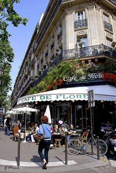Cafe de Flore at St-Germain-des-Pres, Paris, France Restaurant Paris, Paris Restaurants, Paris France, Tour Eiffel, Places To Travel, Places To See, Palais Du Luxembourg, Boulevard Saint Germain, Image Paris