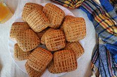 Nicht nur sehr lecker, sondern auch aromatisch sind diese Honigplätzchen. Das Rezept ist einfach, sodass du sie schnell backen kannst. Savarin, Cookies Et Biscuits, Waffles, Food And Drink, Nutrition, Baking, Breakfast, Desserts, Simple