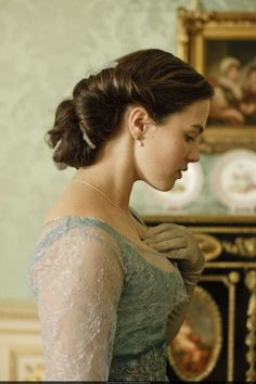 Jessica Brown-Findlay as Lady Sybil, Downton Abbey Jessica Brown Findlay, Matthew Crawley, Matthew Goode, Uk Hairstyles, Wedding Hairstyles, Natural Hairstyles, Edwardian Hairstyles, Hairdos, Vintage Hairstyles