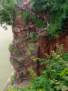 Staircase by Martin Weinreich on Staircase to the Giant Buddha, Leshan World Pictures, Nature Pictures, Scary Places, Places To See, Beautiful World, Beautiful Places, Amazing Places, Places Around The World, Around The Worlds
