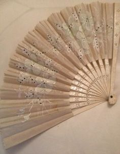 >y< 1800's French hand painted fan.