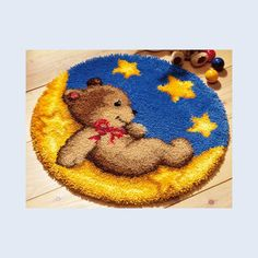 Latch hook | Teddy Bear in Moon - Latch Hook Rug - Vervaco Hobbies And Crafts, Arts And Crafts, Rya Rug, Latch Hook Rug Kits, Cross Stitch Thread, Bear Cartoon, Embroidery Kits, Rug Hooking, Rugs On Carpet