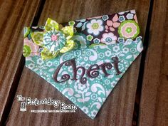 Does your doggie like to dress up? If so, this little dog bandana is perfect for your little princess. The fabric is a Tiffany blue paisley print with a modern floral contrast. The personalization is in brown to match the contrast background. Also included is the handmade Kanshi flower attached to the casing, in lime with a yoyo center in blue.  Please be sure to include your pets name for personalization in the NOTES TO SELLER box at check out…