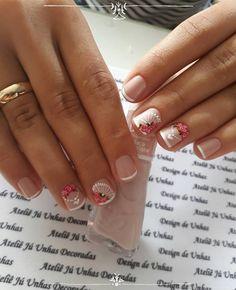 Para quem usa unhas curtas, vejam 28 modelos lindos de unhas decoradas!! 89 Fotos de Unhas Curtas Decoradas ACESSE AGORA AO MELHOR CURSO DE MANICURE, PREÇO ESPECIAL SOMENTE HOJE ((CLIQUE AQUI)) Feet Nails, My Nails, Christmas Nail Art, All Things Beauty, Nail Arts, Spring Nails, You Nailed It, Pedicure, Finger