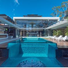 Pool Windows specialise in the installation of acrylic pool viewing panels for residential or commercial applications. Interior Exterior, Interior Architecture, Infinity Pool, Melbourne House, Acrylic Panels, Small Pools, Hotels, Cool Pools, Pool Houses