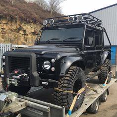 Land rover Defender ALL BLACK
