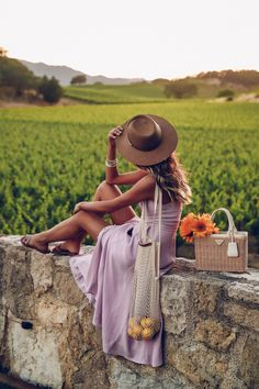Wine Country Style: Living in Lavender Taking in the vineyards views and visiting wineries in Napa V Jeanne En Provence, Wine Tasting Outfit, Photography Poses, Fashion Photography, Cute Dresses, Cute Outfits, Dress Outfits, Fashion Dresses, Viva Luxury