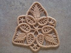 podkins:    Romanian Point Lace Tutorial - awesome tutorial over at Thread Head.