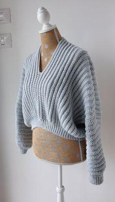 Basic Crochet Stitches, Crochet Basics, Simple Crochet Patterns, Crochet Crafts, Knit Crochet, Crochet Sweaters, Crochet Style, Crotchet, Sweater Knitting Patterns