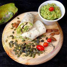 My Casual Brunch: Wrap de frango com guacamole e amêndoas
