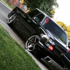 Chevy Silverado crew cab.. @elmigue1989 ⚫️🔴 #droppedcrewcabs