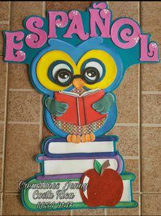 Búho español #CreacionesJennyCR Foam Crafts, Crafts To Make, Crafts For Kids, School Classroom, Classroom Decor, Looney Tunes, First Day Of School, Flower Crafts, Boy Birthday