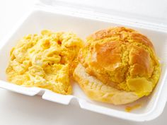 Breakfast in Chinatown: Buttered Pineapple Bun and Eggs at Cha Chan Tang