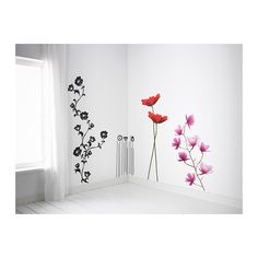 SLÄTTHULT デコレーションステッカー IKEA デコレーションステッカーを使えば、ペンキを塗り替えたり、壁紙を張り替えたりしなくても、お部屋を手軽に模様替えできます 写真:Cédric Porchez