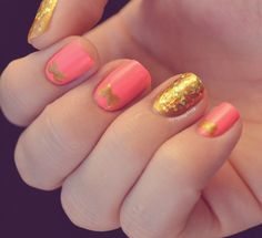 Manicure: Pink, gold and bow nail art