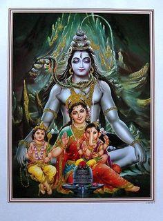 'Om namah shivay 🙏 jai maa Parvati 🙏 jai Ganesh Bhagwan 🙏 jai kartikay Bhagwan 🙏(The Shiva Tribe). Shiva Parvati Images, Lord Krishna Images, Shiva Shakti, Arte Shiva, Shiva Art, Hindu Art, Lord Shiva Pics, Lord Shiva Family, Shiva Photos