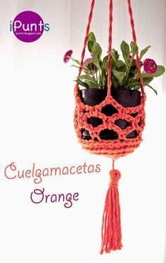 Cuelgamacetas elegante y fácil de hacer con trapillo o cuerda. Patrón gratis en nuestro blog de iPunts.