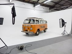 Backstage - Set life - Limbo cyclorama - Lumina Sense art lab - Volkswagen - Movie - Photography - Photographer -