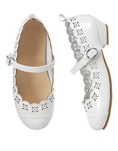 Girls White Scalloped Sandals by Gymboree. Manmade materials, Buckle ankle strap, Approximately White Scalloped Dress, Girls Shoes, Baby Shoes, Spring Fashion, Kids Fashion, Easter Outfit, Communion Dresses, Toddler Shoes, Gymboree