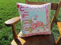 Sweet Divinity Flower Pillow Tutorial - Love the Flowers!!! #diy #tutorial