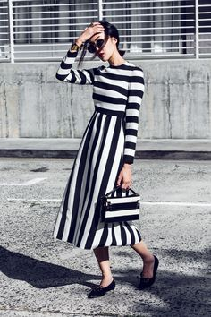 Black and white striped maxi dress // street style outfit Fashion Moda, Womens Fashion, Style Outfits, Style Clothes, Dress Outfits, Look Chic, Mode Inspiration, Mode Style, Playing Dress Up