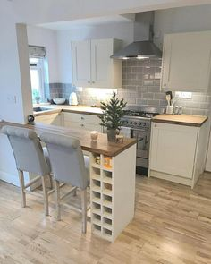 Consider Installing Kitchen Islands To Go With Your Unique Kitchen Design – Home Decor World Kitchen On A Budget, New Kitchen, Kitchen Decor, Kitchen Ideas, Space Kitchen, Kitchen Small, Kitchen Tips, Narrow Kitchen, Small Dining