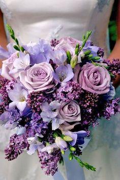 24 Fresh Spring Wedding Bouquets