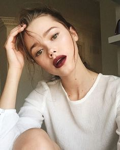"796 Likes, 16 Comments - Valeria Lipovetsky (@valerialipovetsky) on Instagram: ""My favourite beauty trend this fall: dewy skin and bold lips! Products and tutorial Link in bio…"""