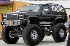 old trucks chevy Lifted Chevy Trucks, Gm Trucks, Jeep Truck, Chevrolet Trucks, Cool Trucks, Pickup Trucks, Cool Cars, Chevy 4x4, Chevrolet Blazer