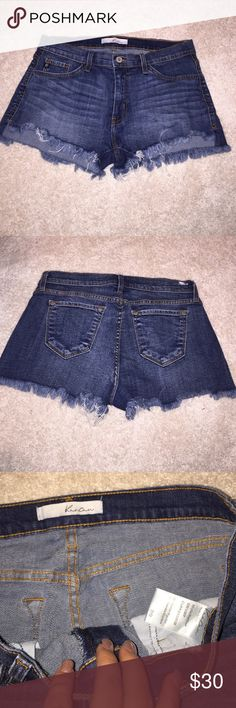 Kancan shorts! Mid rise! Below the belly button! I love these shorts so much just no longer my size! Perfect condition! Buckle Shorts Jean Shorts