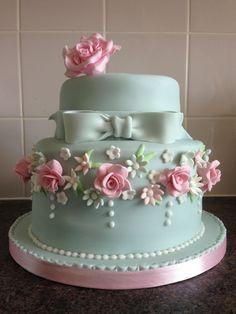 Trendy birthday cupcakes ideas for women elegant cakes Ideas Fancy Cakes, Cute Cakes, Pretty Cakes, Gorgeous Cakes, Amazing Cakes, Fondant Cakes, Cupcake Cakes, Dessert Design, Birthday Cakes For Women