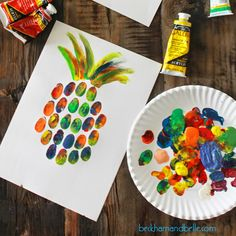 Beckham + belle: diy pineapple thumbprint art simple art, plastic cutting b Kids Painting Projects, Painting For Kids, Projects For Kids, Summer Art Projects, Toddler Art Projects, Painting Art, Paintings, Crafts For Kids To Make, Art For Kids