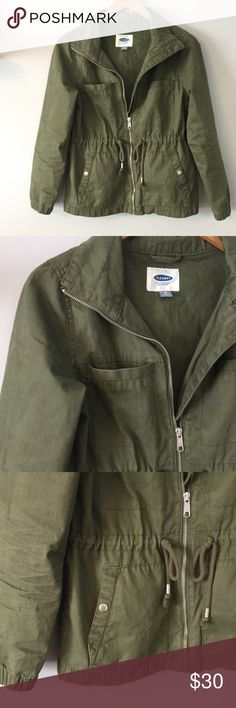 "Old Navy • Twill Field Utility Jacket Old Navy • Twill Field Utility Jacket  Drawstring waistline, pockets at hips and bustline. Full zip front closure. Made of 100% cotton.   NWOT - no flaws Measurements Lying Flat: Underarm Span - 17.5"" Length Shoulder to Hem - 24"" Old Navy Jackets & Coats Utility Jackets"