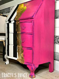A Modern Whimsical Painted Desk in Hot Pink. Hot Pink Whimsical Painted Desk by Tracey's Fancy This whimsical painted desk is now a showstopper with its mix of gold, hot pink and classic black and white stripes. Cheap Furniture Makeover, Diy Furniture Renovation, Funky Painted Furniture, Cool Furniture, Hot Pink Furniture, Painted Desks, Furniture Design, Painted Dressers, Painted Tables