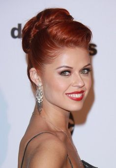 Anna Trebunskaya wows with red hairstyle