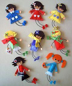 Variedad de Preciosas muñecas elaboradas con fieltro :D                                                                                                                                                     Más