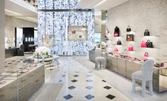01_Dior Wallpaper Retail Directory