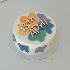 Korea Cake, Rainbow Palette, Pretty Birthday Cakes, Just Cakes, Pastry Cake, Cake Shop, Cafe Bar, Clay Crafts, Simple Style