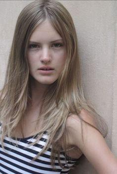 schone naturliche haarige blonde nackt
