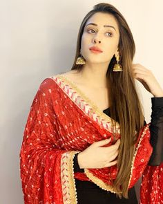 Hiba nawab-Hot Model and Actress collection Dress Indian Style, Indian Dresses, Indian Outfits, Shadi Dresses, Teenage Girl Photography, Girl Photography Poses, Creative Photography, Stylish Sarees, Stylish Dresses