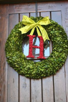 i think we should do a wreath like this with the letter A for our apartment. @Abby Kate (: