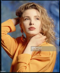 News Photo : 1992- Picture shows actres, Julie Delpy, posing...