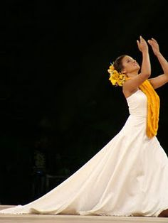 Loved this performance! Manalani English, Merrie Monarch 2012