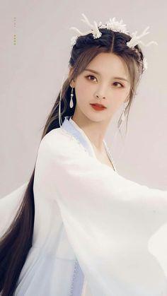 Beautiful Girl like Fashition Princess Weiyoung, Preety Girls, China Girl, Chinese Actress, Hanfu, Costumes For Women, Girl Hairstyles, Asian Beauty, My Hair