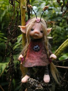 sweet posable tiny forest  bug fairy fairie ooak
