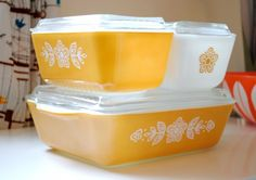 Name: Butterfly Gold Refrigerator Set Type: Oven-Refrigerator Dishes Set Series 500 Size: 1.5 cup #501, 1.5 pint #502 and 1.5 quart #503 Year: 1960-1970