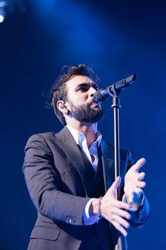 Marco Mengoni sul palco insieme a Placebo, Norah Jones e Elton John!